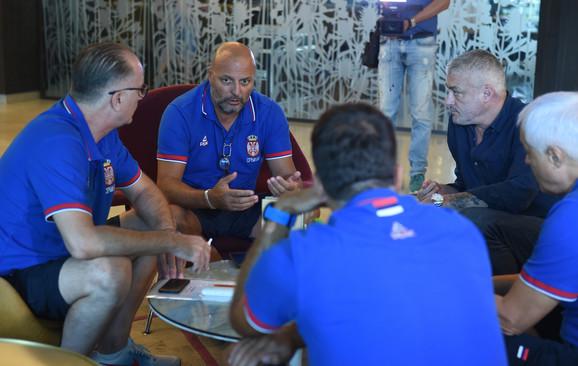 Aleksandar Đorđević sa saradnicima i predsednikom KSS Predragom Danilovićem