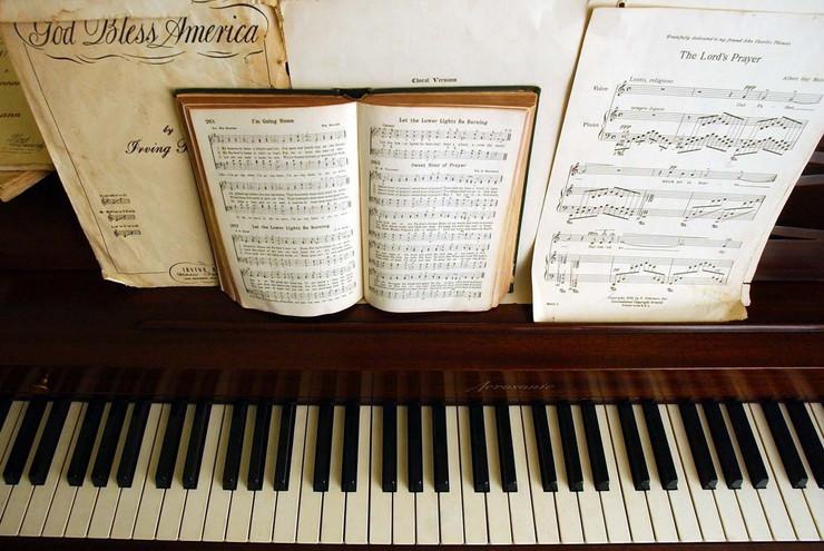 281417_klavir-foto-ap