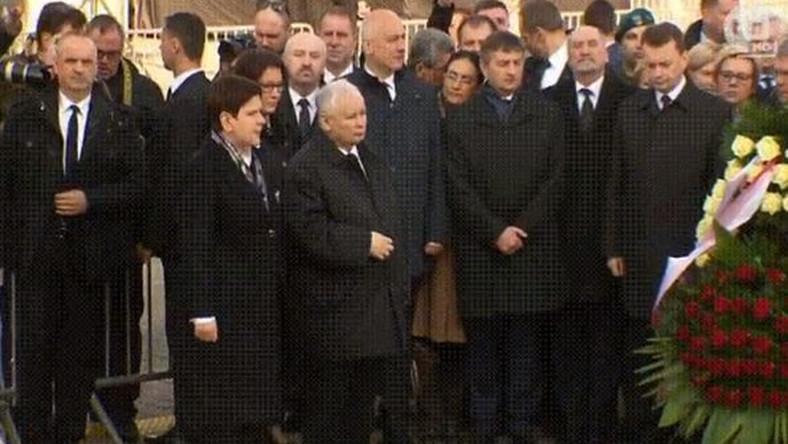 premier Beata Szydło i prezes Jarosław Kaczyński na obchodach rocznicy katastrofy smoleńskiej