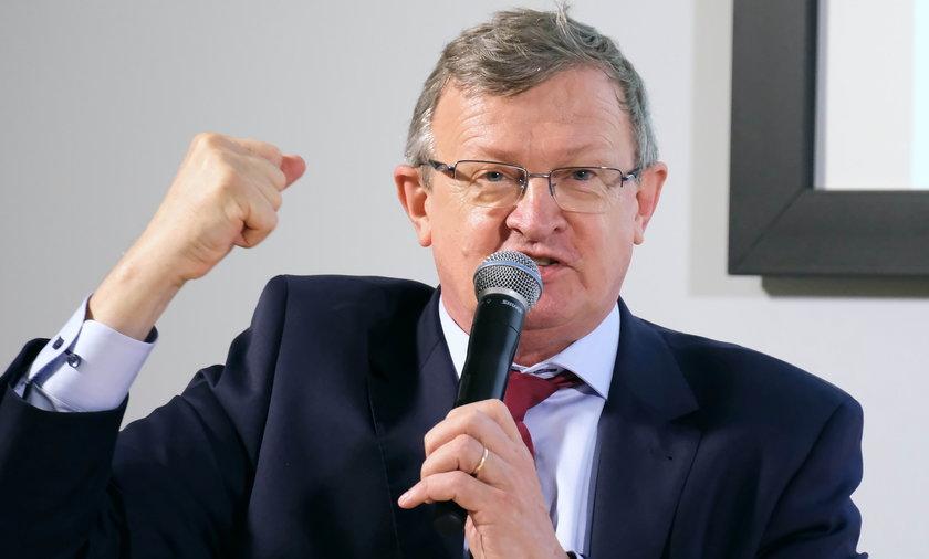 Poseł Solidarnej Polski Tadeusz Cymański uważa, że Polacy piją za dużo piwa.