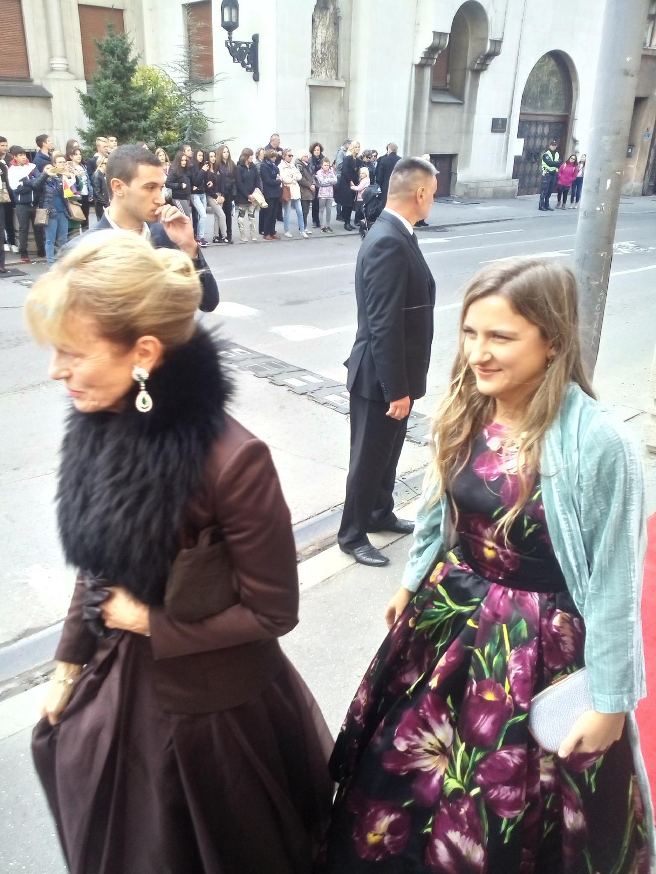 Raskošne haljine šetale Beogradom, baš kao i krzno