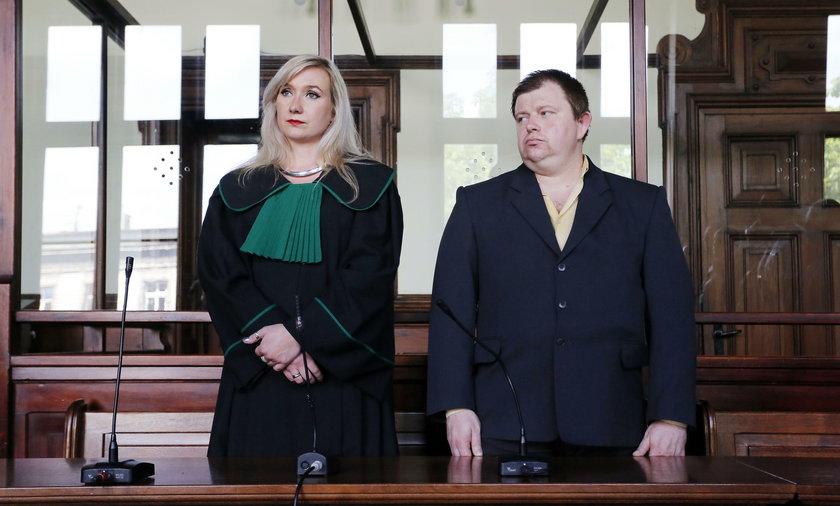 Mec. Katarzyna Górny-Salwarowska i policjant Tomasz Klimowicz