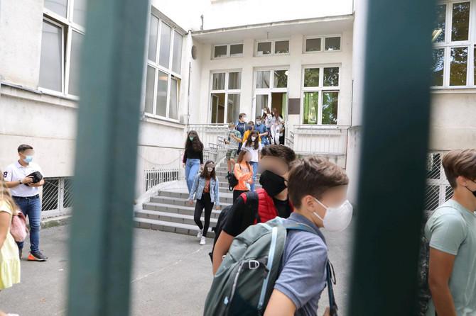 Jesenji raspust u osnovnim školama možda se produži zbog epidemije korona virusa