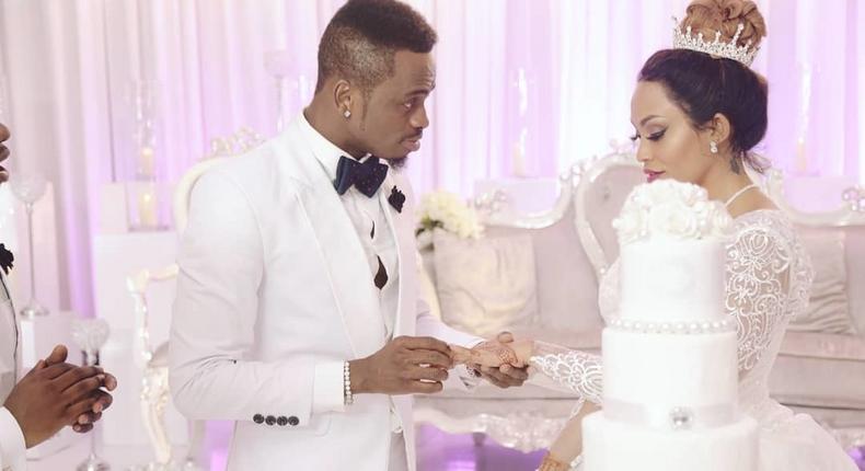 Diamond and Zari in Iyena Video