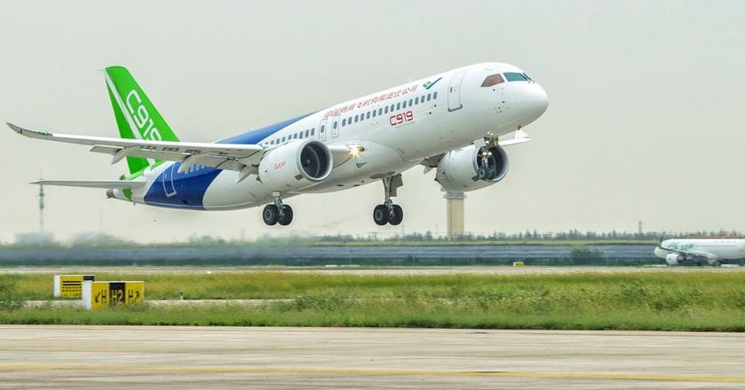Comac C919 to samolot chińskiej produkcji wykorzystujący części zachodnich producentów