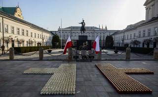 SOP: Kierowca samochodu osobowego próbował sforsować zaporę i wtargnąć na teren Pałacu Prezydenckiego