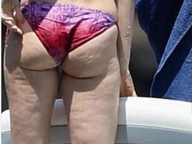 Slavnu glumicu retko viđamo u bikiniju: Da li ste OVAKAV PRIZOR očekivali?