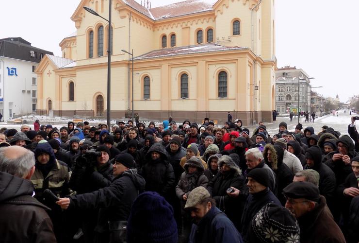 Zrenjanin Protest pred Gradskom kućom