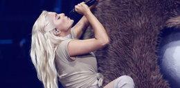 Ojciec amerykańskiej piosenkarki jest wściekły na córkę. Zarzuca jej pornografię