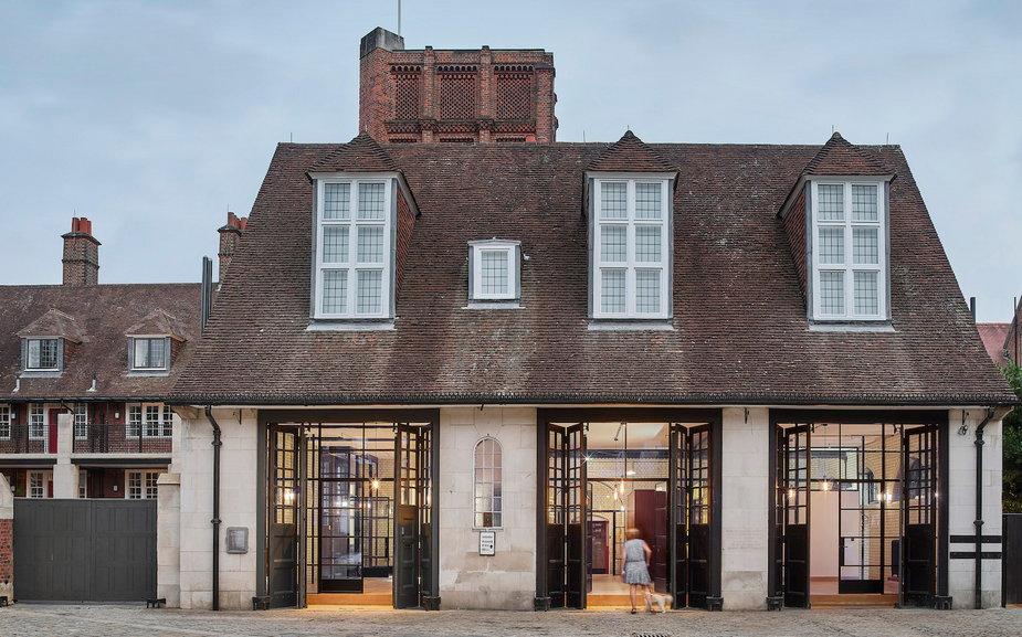 100-letnia remiza w Londynie zmieniła się w luksusowy apartamentowiec.