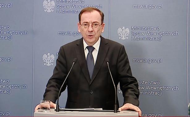 Będziemy działać racjonalnie i przede wszystkim skupiać się na kontrolowaniu obywateli w sytuacjach, gdy na zewnątrz zbierze się więcej niż dwie osoby – powiedział minister spraw wewnętrznych i administracji Mariusz Kamiński