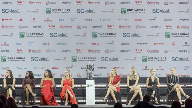 """Już od dłuższego czasu wiadomo było, że podopieczna Tomasza Wiktorowskiego nie zdoła wywalczyć przepustki do tej imprezy w bieżącym sezonie. Do końca walczyła zaś o to Alicja Rosolska. Półfinalistka Wimbledonu w deblu razem z Amerykanką Abigail Spears uplasowały się w rankingu """"Road to Singapore"""" na końcu pierwszej """"10"""", a awans wywalczyło osiem czołowych duetów."""