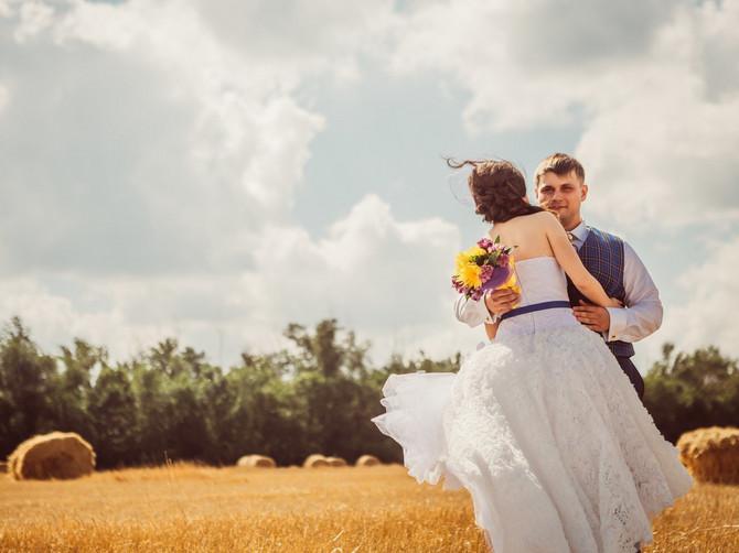 Na dan našeg venčanja izvukao je telefon i URADIO NAJUŽASNIJU STVAR: Bila sam glupa i oprostila mu to a ONDA JE MOJ MUŽ POKAZAO SVOJE PRAVO LICE