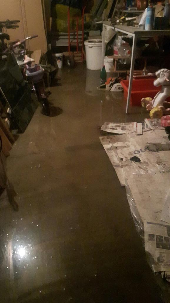 Potop kuće u Ovči
