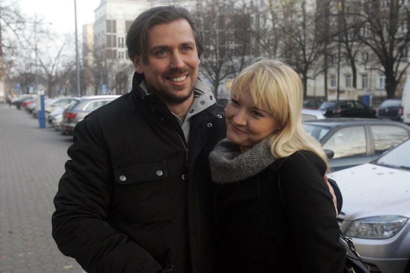 Tomasz Kaczmarek prowadzi stowarzyszenie ECWS Helper z żoną