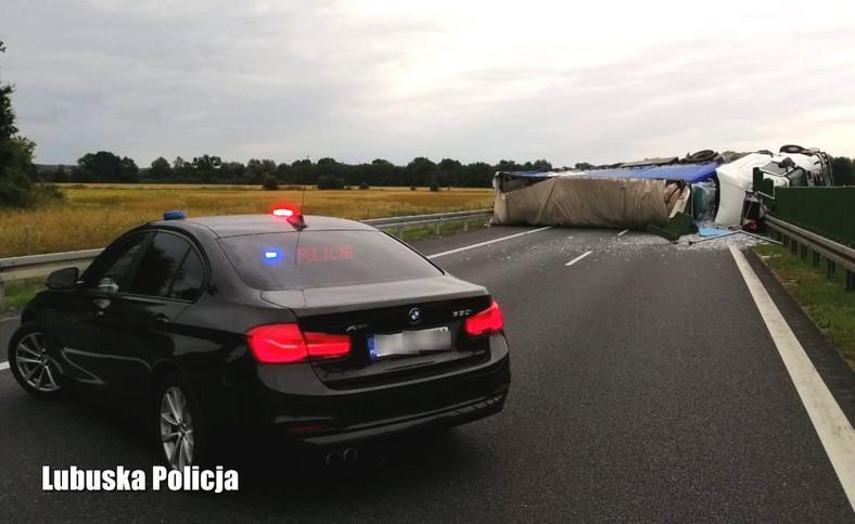 Wypadek ciężarówki na S3 między Sulechowem a Zieloną Górą