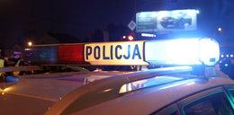 Groźny wypadek w Warszawie. Samochód potrącił kobietę z dziećmi