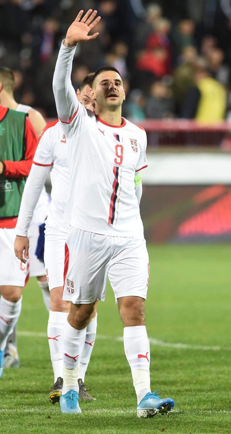 Aleksandar Mitrović na utakmici protiv Paragvaja