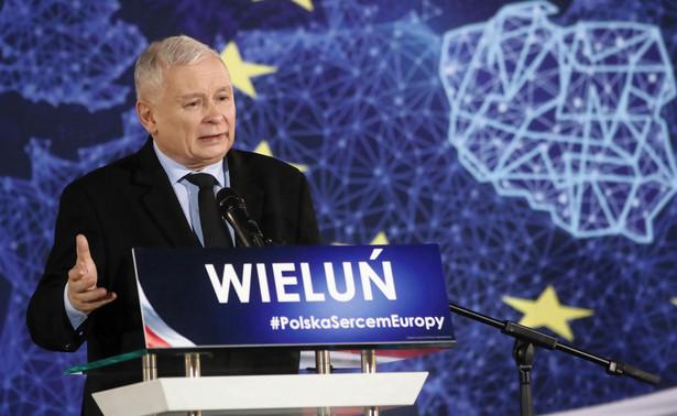 """""""Środki na piątkę Jarosława Kaczyńskiego są w budżecie. Budżet ma się dobrze. Jestem przekonany, że również w dalszym ciągu będzie dobry wzrost gospodarczy""""."""