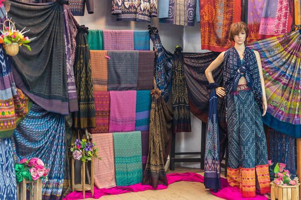 Tkaniny z Chiang Mai