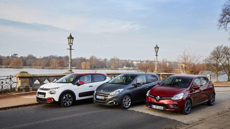 Citroen C3 kontra Peugeot 208 i Renault Clio