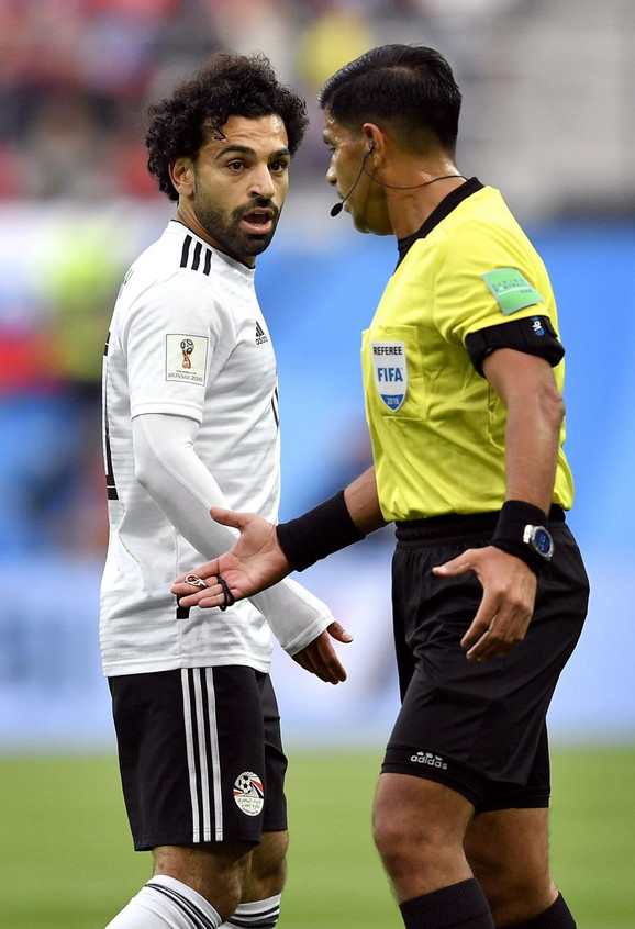 Salah u razgovoru sa arbitrom