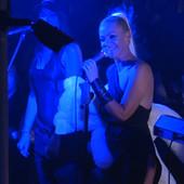 PRVI NASTUP NAKON ŠTO JU JE PRETUKAO LAZUKIĆ Nataša Bekvalac se vratila na scenu, a onda su joj POŠLE SUZE (VIDEO)