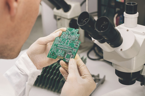 Mikročipovi se ugrađuju pod kožu