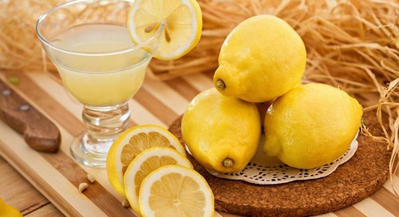 Lemons for oily hair treatment