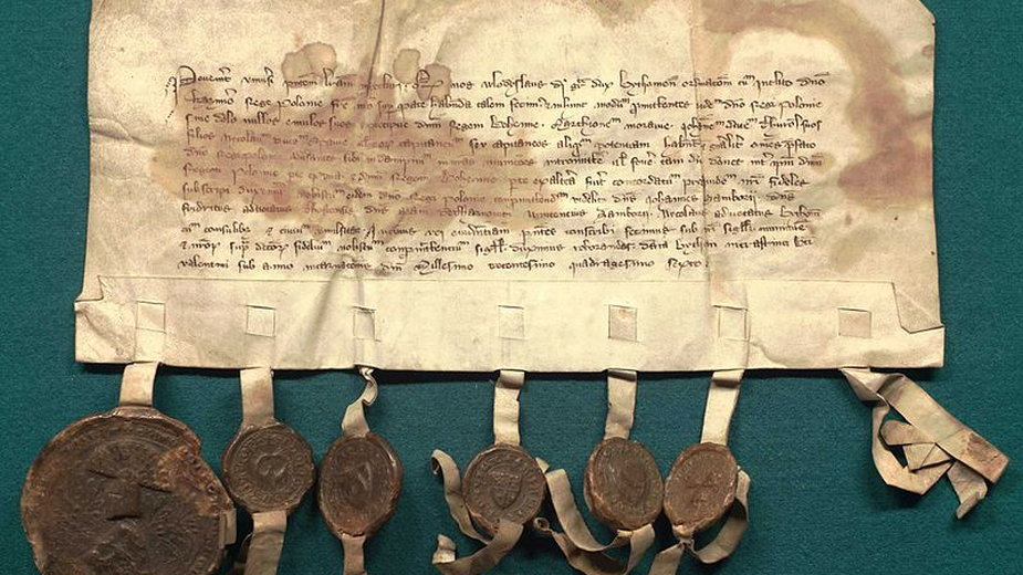 Dokument mówiący o  przedłużeniu zawieszenia broni pomiędzy Królestwem Polskim a zakonem krzyżackim z 30 kwietnia 1334 roku - domena publiczna