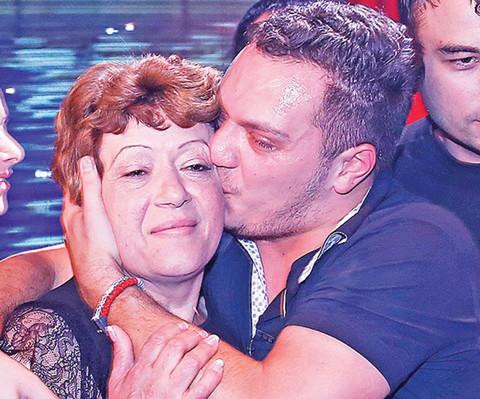ŠOKANTNA SAHRANA: Bivša tešila Gastoza, obezbeđenje urlalo, a Zorica glumila zvezdu