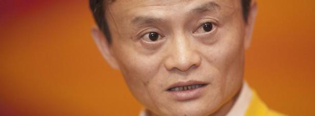 Jack Ma, który przygotowywał się do tej zmiany przez 10 lat, przekaże swoje obowiązki prezesowi Danielowi Zhangowi.