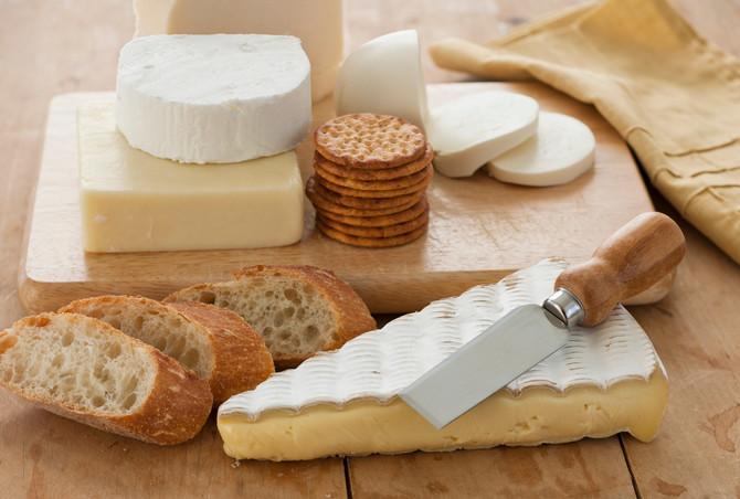 Mnogi biljni sirevi zapravo nisu posni, kao ni hleb koji se često premazuje smesom od jaja