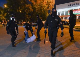 Szef MSW Białorusi przeprasza za działania milicji wobec przypadkowych osób