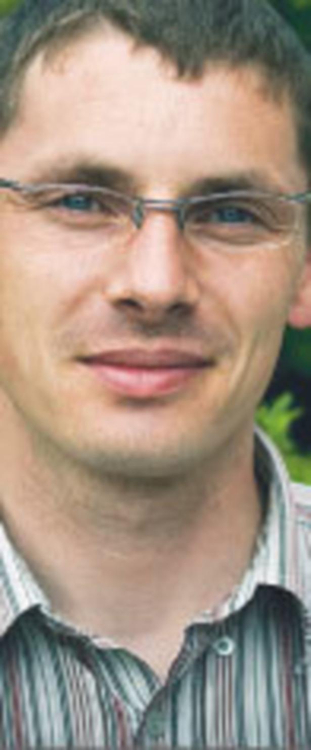 Michał Konarski, kierownik laboratorium firmy Satel
