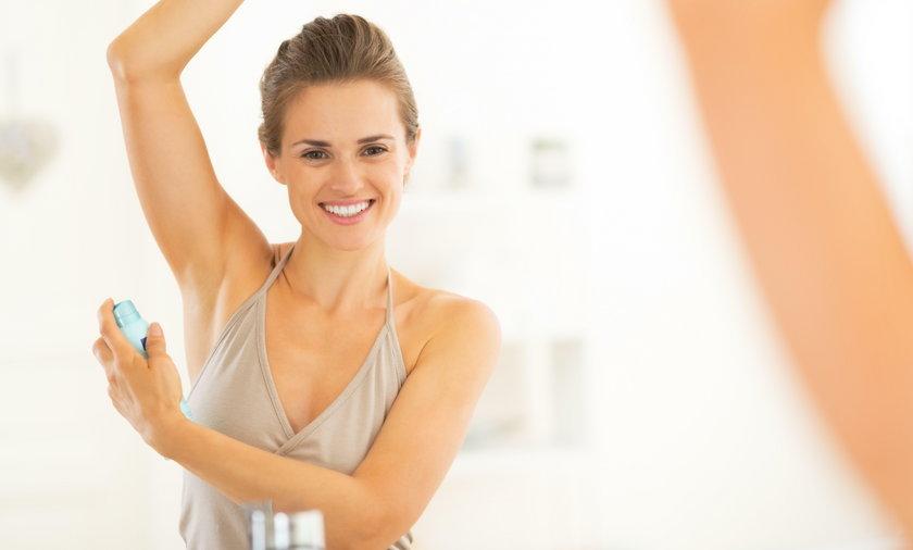 Czy antyperspiranty i dezodoranty są szkodliwe?
