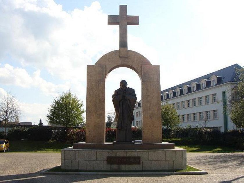 Odstąpią pomnik papieża... za 20 tysięcy euro