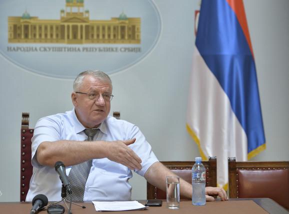 U martu 2014. se vratio iz Haga, a u martu 2016. u skupštinske klupe: Vojislav Šešelj