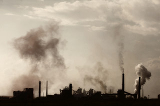 Chiny emitują najwięcej gazów cieplarnianych. Na drugim miejscu USA [RAPORT]