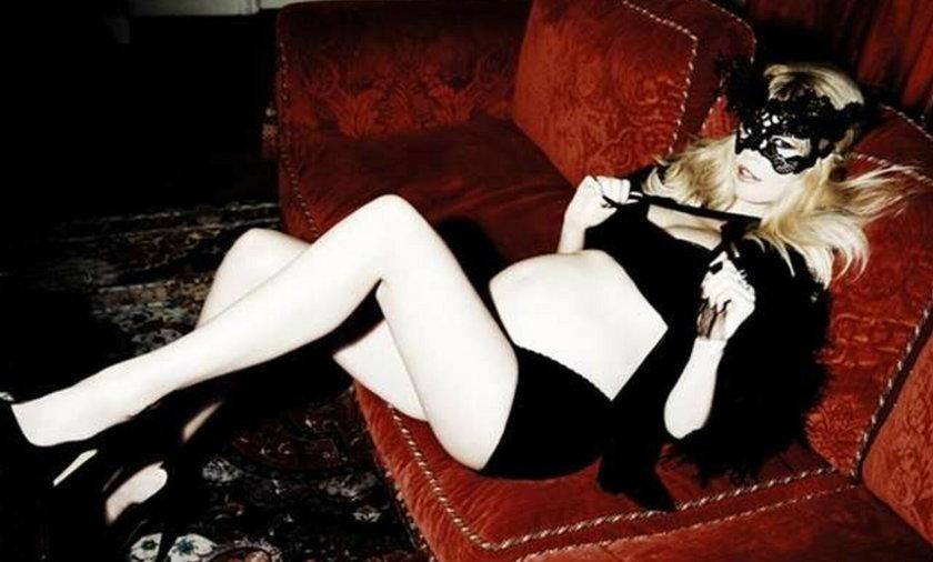 Naga Claudia Schiffer