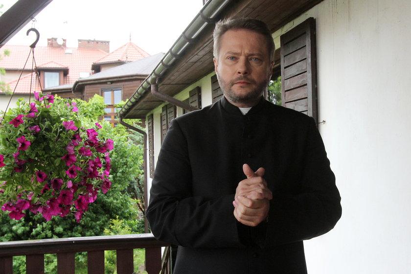 """Żmijewski zagroził, że odejdzie z """"Ojca Mateusza""""!"""