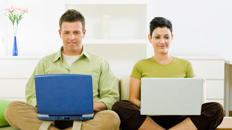 Polacy w internetowym ogonie świata