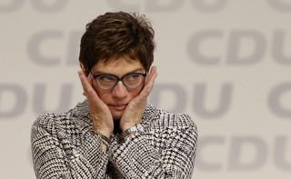 Kim jest Annegret Kramp-Karrenbauer, która zastąpi Angelę Merkel w roli szefowej CDU [SYLWETKA]