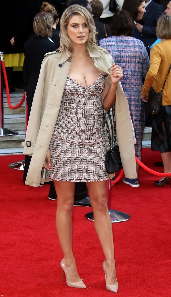 Ešli Džejms na crvenom tepihu pre nekoliko dana u Londonu