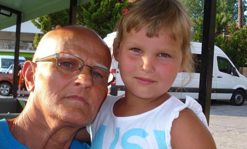 Horror na wczasach z Grecji: Z dziadka zrobili pedofila.