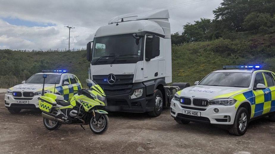 Nieoznakowana ciężarówka policyjna. Fot. North Yorkshire Police
