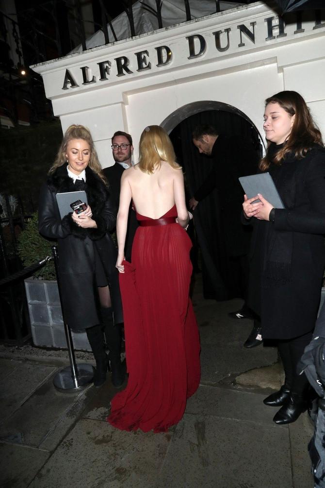 Boja haljine koja idealno pristaje ljudima svetle puti