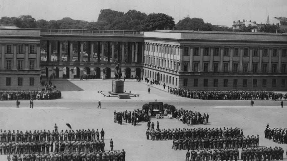 Pałac Saski / Narodowe Archiwum Cyfrowe, fot Jarumski Leon