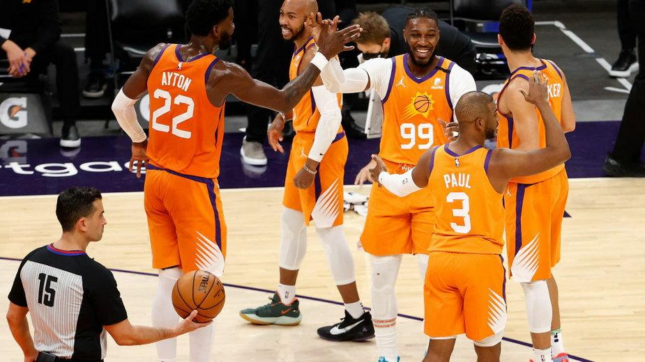 Zawodnicy drużyny Phoenix Suns