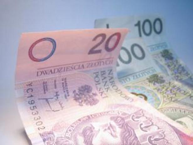 Od 200 do 700 zł corocznego dodatku dla najbiedniejszych emerytów i rencistów przewiduje projekt ustawy autorstwa PiS, którego pierwsze czytanie odbyło się dziś w Sejmie.